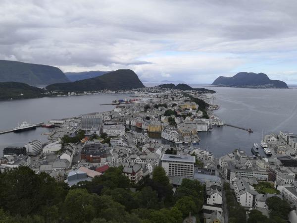 Belle vue après avoir gravi les 418 marches de la colline qui surplombe la ville